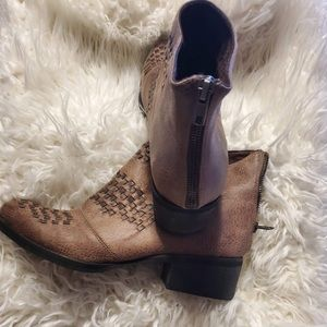 Ankle boots with 1 inch heel